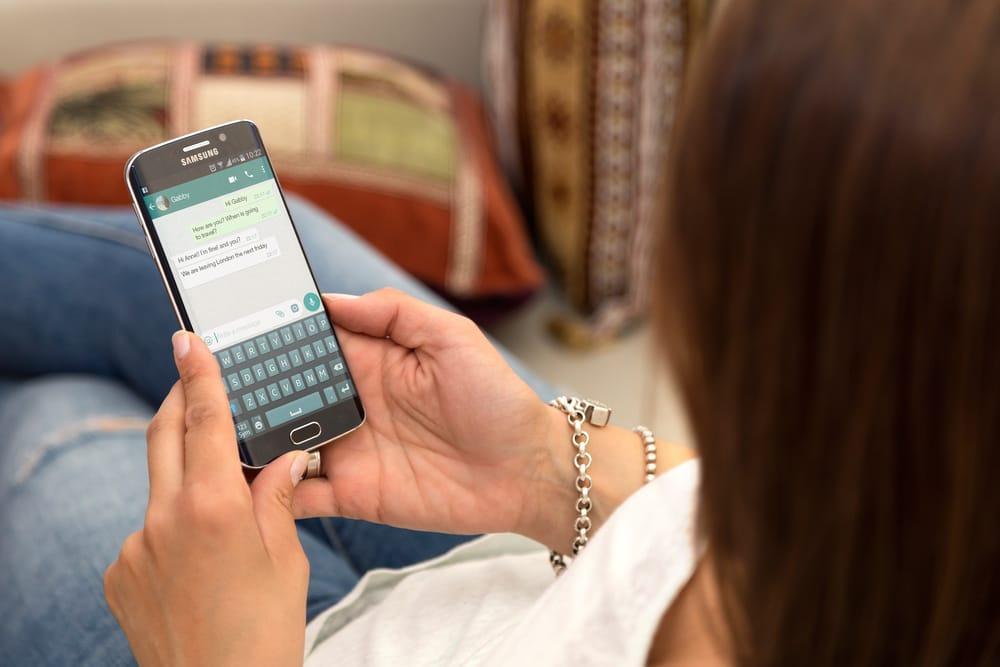 Handy hacken über WhatsApp android